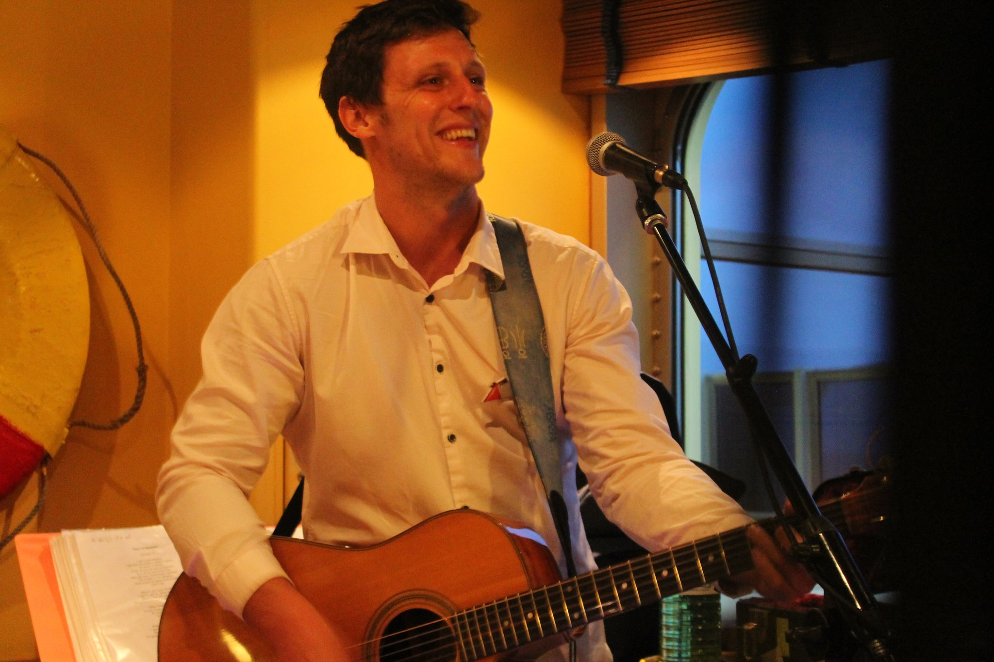 Paul Roth performing live on the Carnival Magic